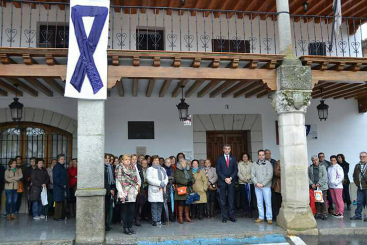 Concentración en Escalona para conmemorar el Día Internacional contra la Violencia de Género