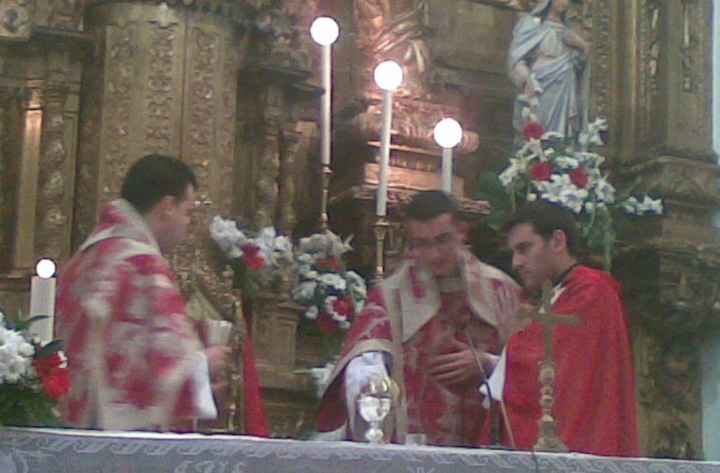 El escalonero, Mariano J. Funchal Baratas, ofrece una Eucaristía de Acción de Gracias en nuestra Parroquia tras haber sido ordenado sacerdote