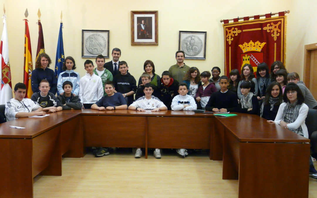 El Alcalde de Escalona recibe a los alumnos  del Instituto de educación secundaria