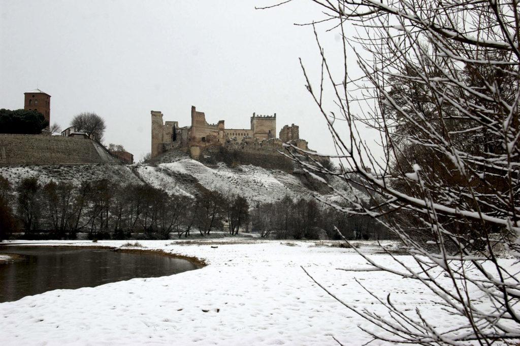 Castillo de Escalona nevado - Ayuntamiento de Escalona